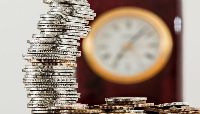 فرضيات النظرية الكمية في النقود